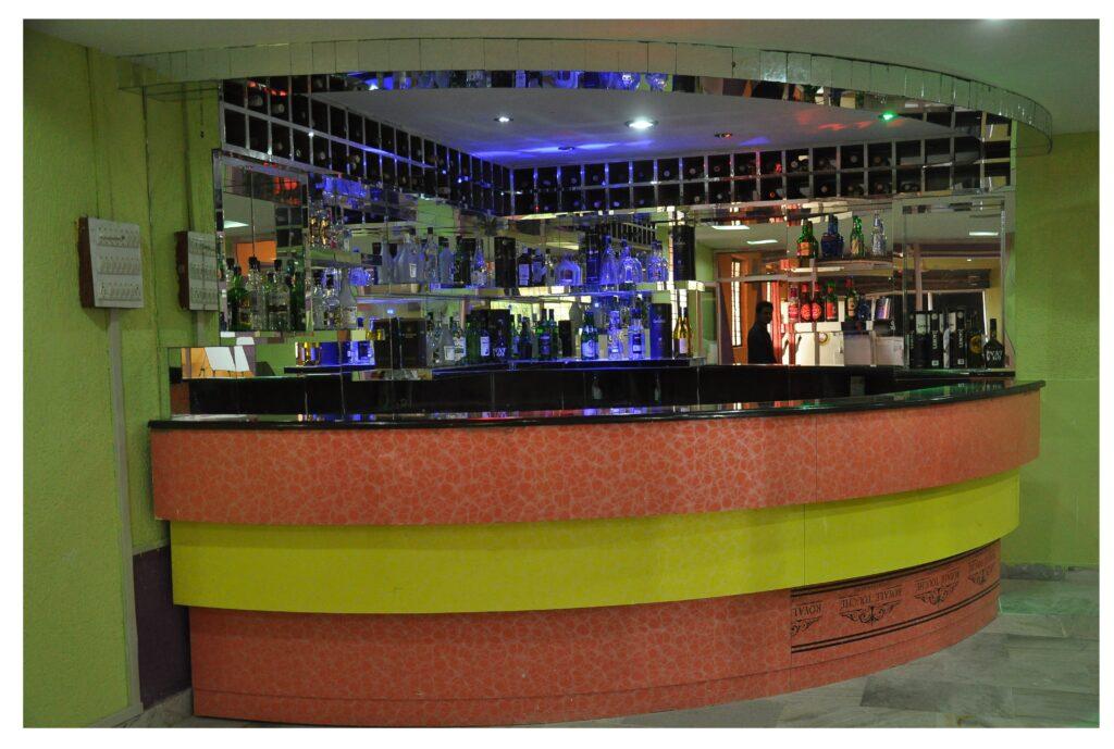 Bar cum Restaurant